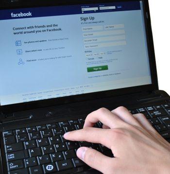 pocitace, socialne siete, facebook, sign up - web