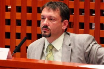 Peter Gogola