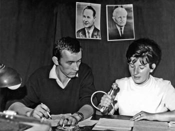 Redaktor Fedor Mikovič-hlásateľka Lýdia Faksová-august 1968
