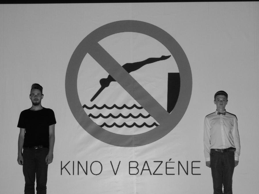 Kino v bazéne nezamrzlo, bojuje ďalej