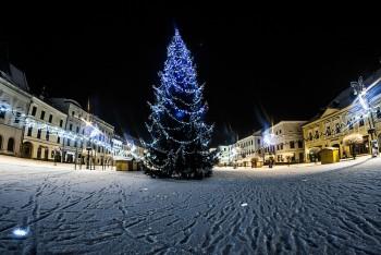 nocna Bystrica sneh stromcek