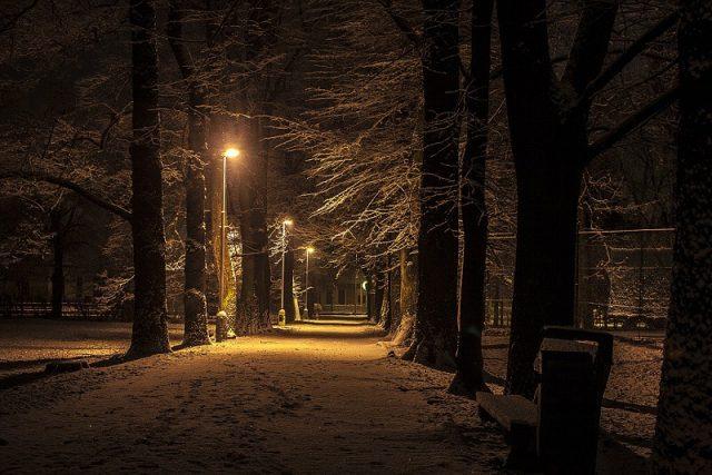 nocna Bystrica sneh park zima