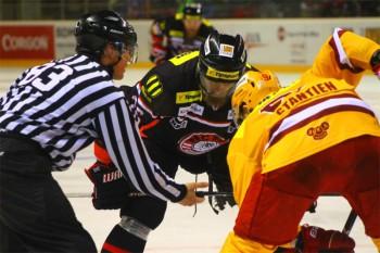Hokej - HC 05 Banska Bystrica vs. Dukla Trenèín - 02.03.2015 - Banska Bystrica