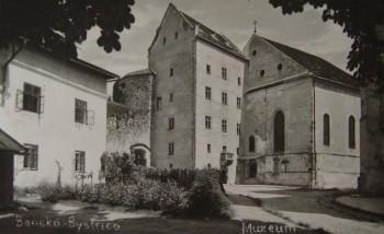 Prve Mestske muzeum v budove Matejovho domu