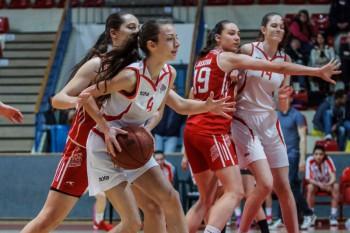 Basketbal - Extraliga zeny - SKP 08 Banska Bystrica vs. Cassovia Kosice - 27.04.2016 - Banska Bystrica