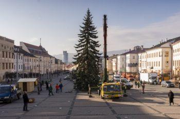 stavanie vianocneho stromceka banska bystrica 2017