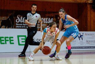 Basketbal - extraliga zeny - SKP 08 Banska Bystrica vs. BK Slovan Bratislava - 21.12.2016 - Banska Bystrica