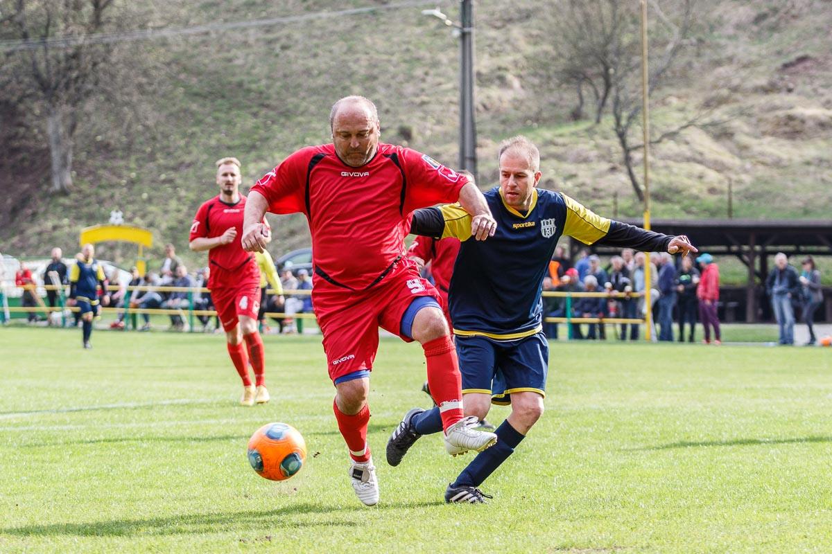 ead6ccd1d5bff Kam cez víkend za futbalom: Šláger Jakuba so Sásovou či derby Valaskej s  Nemeckou